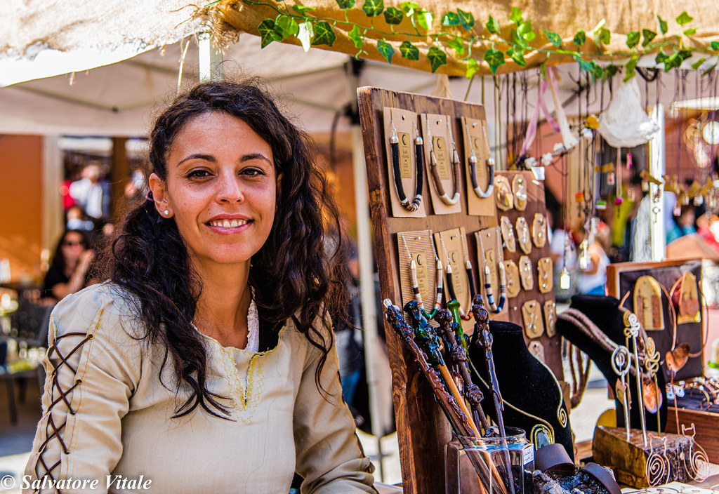 young medieval merchant - Pietrasanta Medievale