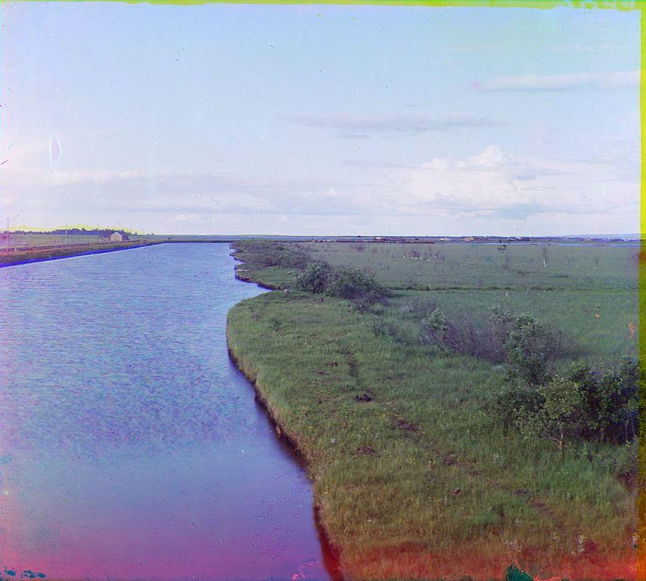 17. Окрестности города. Правый берег Онежского канала у оз. Мегрское