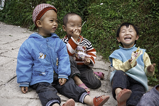 Three Chinese children from Guizhou