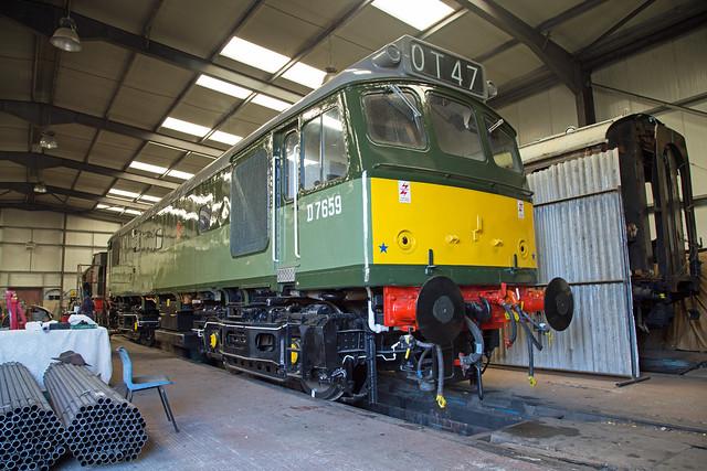 Class 25 D7659 Peak Rail