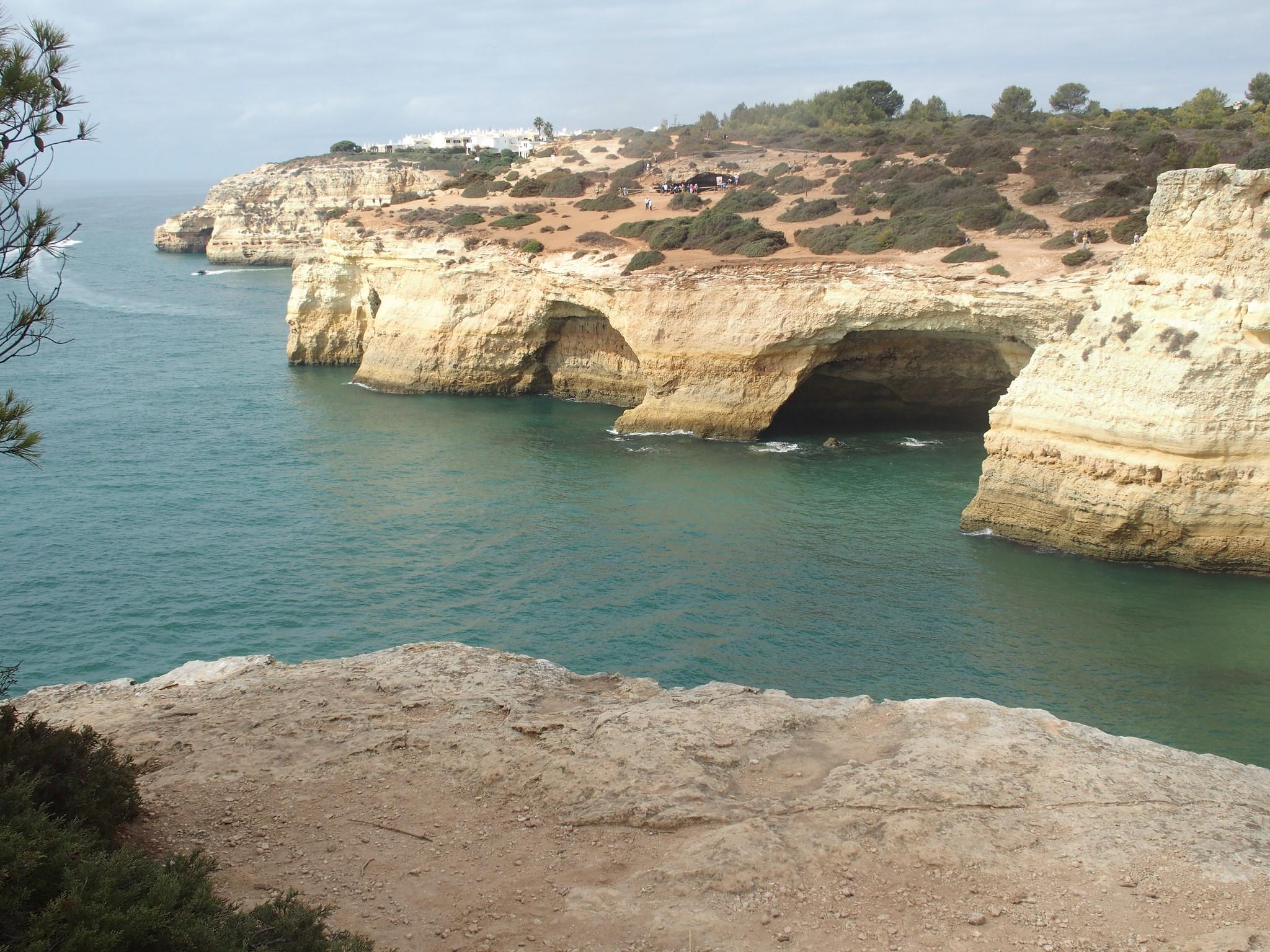 A13 Grottor