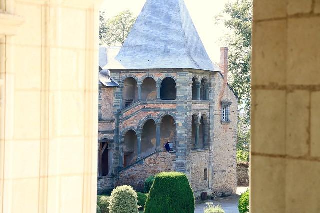 Modeste mais noble escalier, Châteaubriant