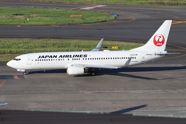 JA322J  -  Boeing 737-846 (WL)  -  Japan Airlines  -  HND/RJTT 9/10/19