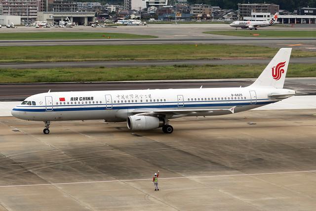 B-6825  -  Airbus A321-232  -  Air China  -  FUK/RJFF 7-10-19
