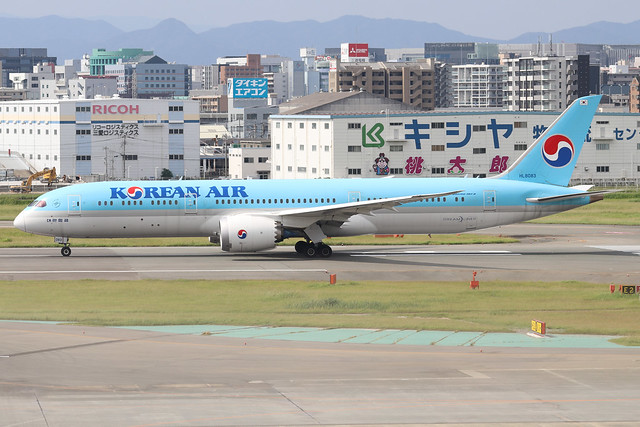 HL8083  -  Boeing 787-9 Dreamliner  -  Korean Air  -  FUK/RJFF 07/10/19