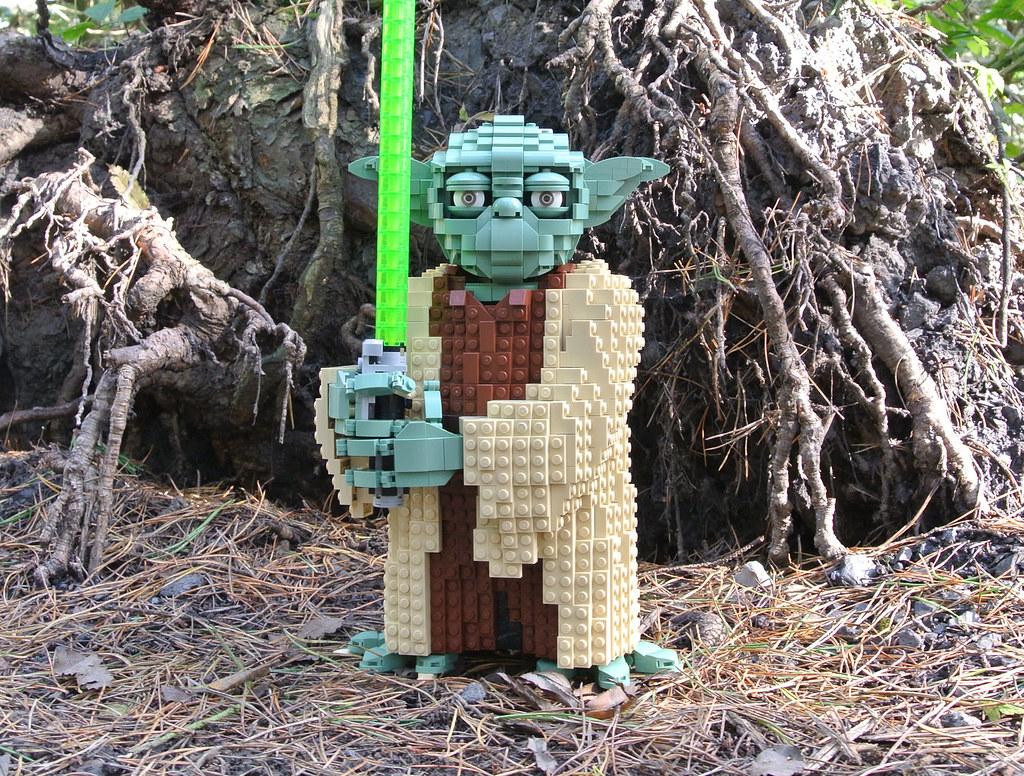 LEGO Star Wars 75255 Yoda review