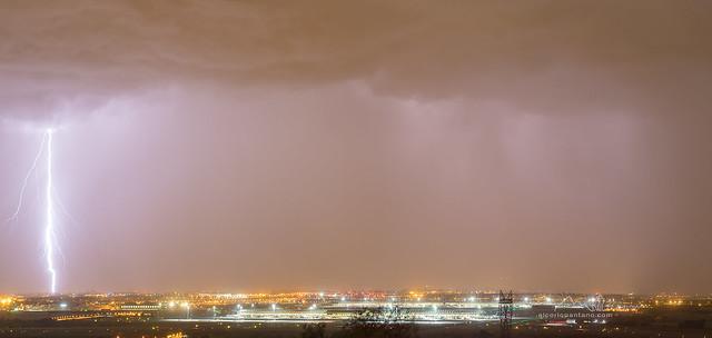 Tormenta sobre Madrid, Aeropuerto Adolfo Suarez.