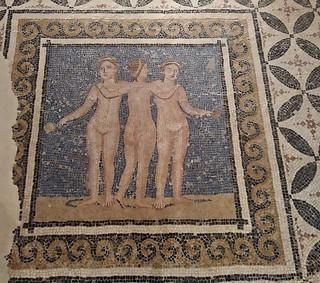 Mosaico de las Tres Gracias (finales s. III inicios s. IV d.C.) Museu d'Arqueologia de Catalunya