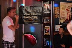 Madriidi kulg: Madriidi karaokeässa valimised Lased Karaoke baaris esmaspäeva õhtul