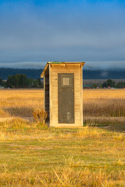 Old outhouse 0697-1