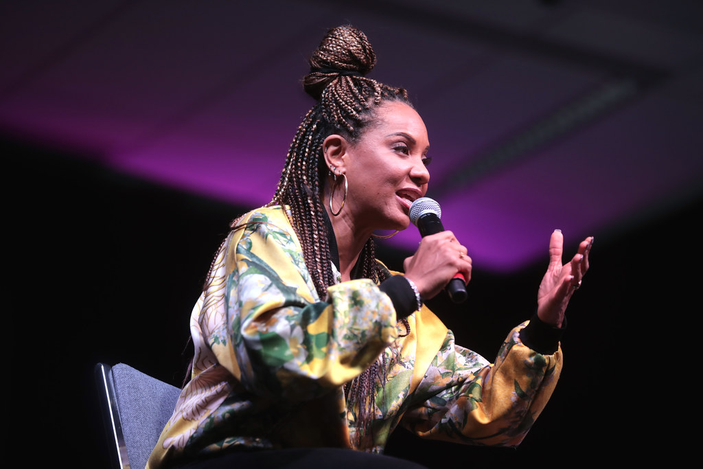 MC Lyte | MC Lyte speaking with attendees at the 2019 Arizon… | Flickr