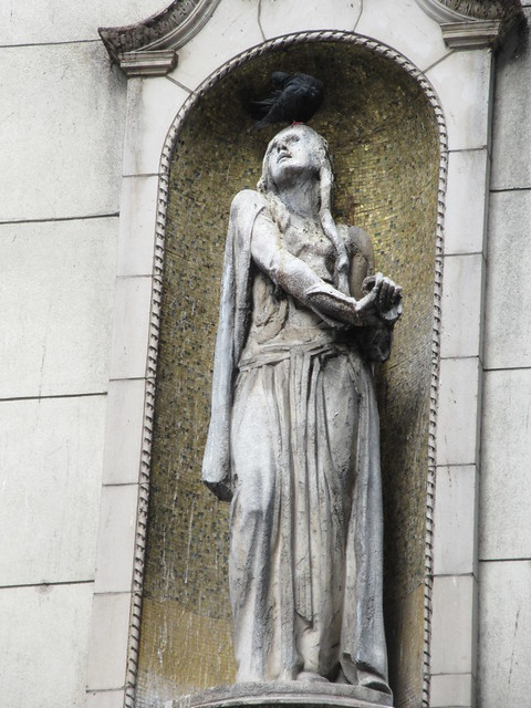 Ethel Barrymore as Ophelia statue - I Miller Shoe Store NYC 5457