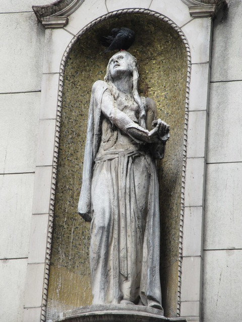 Ethel Barrymore as Ophelia statue - I Miller Shoe Store NYC 5456