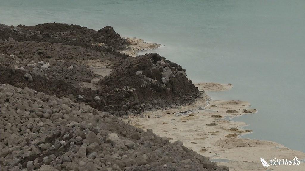 1025-2-24高雄市旗山區大林里的一塊田區,被業者回填了一百萬噸來自中鋼的爐石。