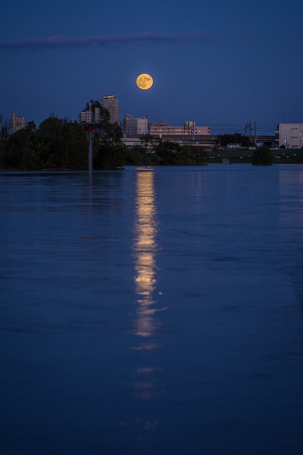 Moonrise over the floodwaters