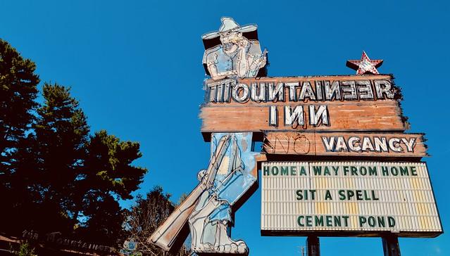 The Mountaineer Inn - Asheville NC