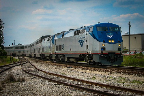 amtrak sunsetlimited train railroad p42dc houston texas