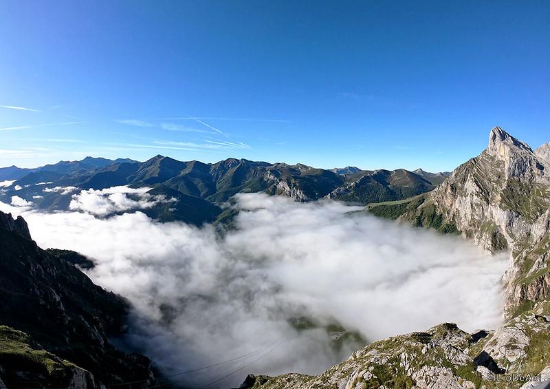 Echando la mañana en los Picos de Europa en la zona de Fuente Dé