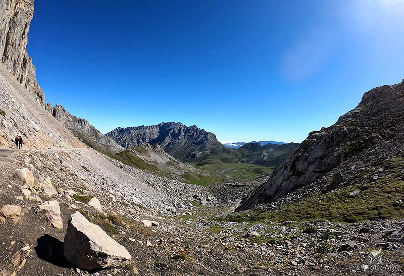 Echando la mañana en los Picos de Europa en la zona de Fuente Dé (15)