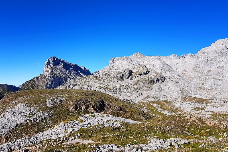 Echando la mañana en los Picos de Europa en la zona de Fuente Dé (6)