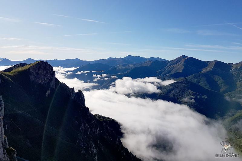 Echando la mañana en los Picos de Europa en la zona de Fuente Dé (3)