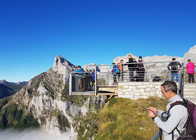Echando la mañana en los Picos de Europa en la zona de Fuente Dé (2)