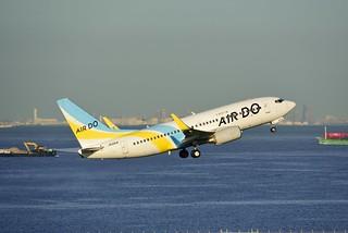 AIR DO JA12AN B737-781