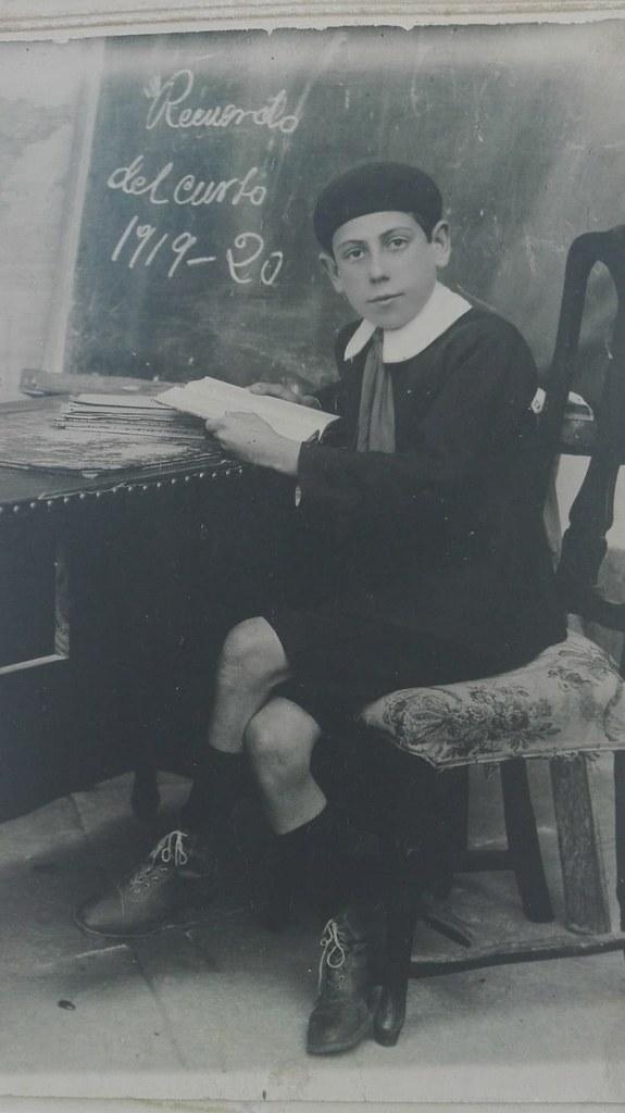 Eduardo Butragueño Bueno retratado como alumno del Instituto en el curso 1919-1920