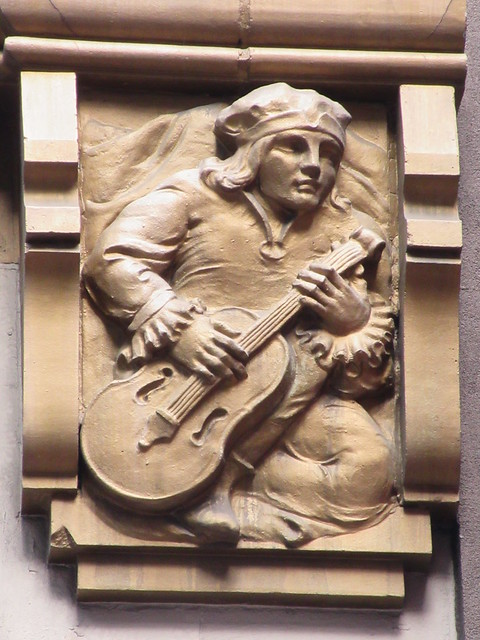 Musician With String Instrument Gargoyle 46th St NYC 5472