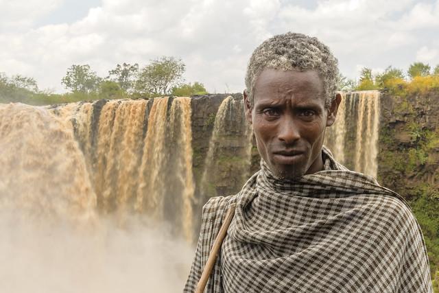 En las cataratas de Tis Isat, Nilo azul.