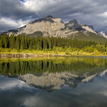 16. September 2019 - 7:50 - East end of Mount Rundle reflected in Quarry Lake
