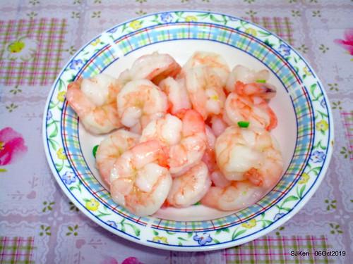 Tradtional seafood of Chinese dishses booth, Nangmeng market, Taipei, Taiwan, SKen, Oct 6, 2019