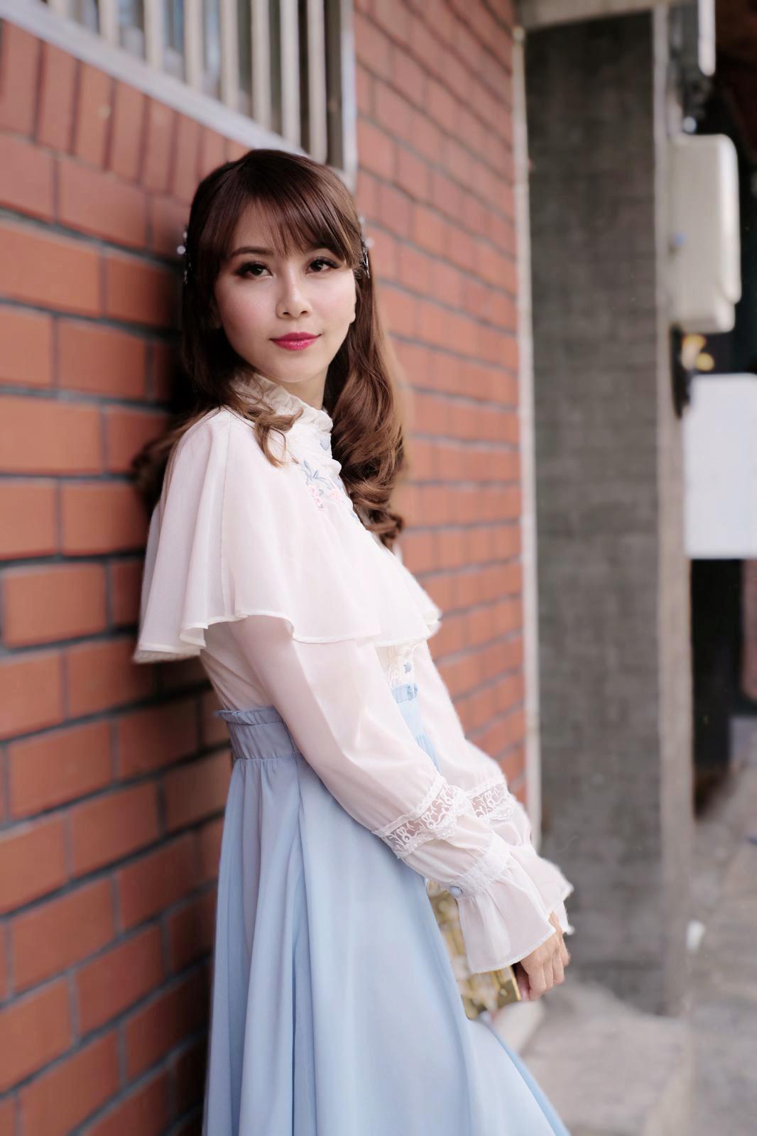 Vintage Clothes Rental Seoul Korea Ikseon Boutique Hotel Del Luna Inspired 6