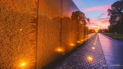 vietnamveteransmemorial thewall vietnamwar nationalmall sunrise sunset washingtonmonument leadinglines memorial monument words names text hdr