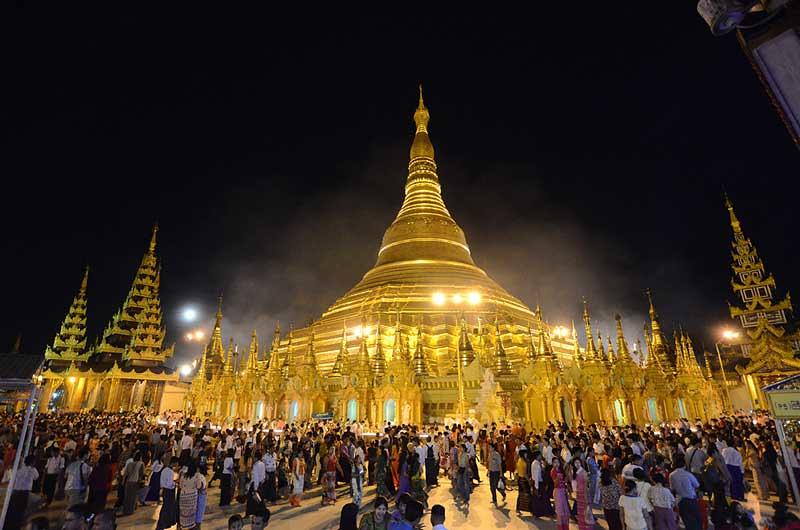Myanmar Rayakan Akhir Masa Vassa, Hari Abhidhamma dan Awal Kathina 2563