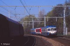 X 2859 et ses remorques pour Saint Etienne