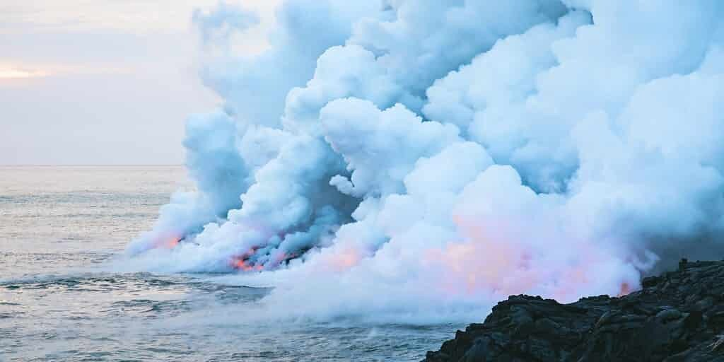 Un volcan sous-marin produit des bulles de gaz géantes