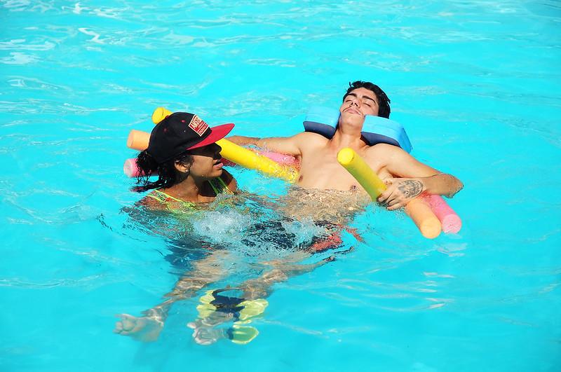 Hidroterapia acelera reabilitação de pacientes do Hospital de Apoio