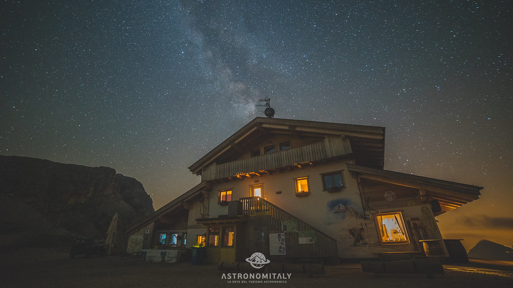 Averau Mountain Hut