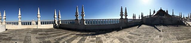 Partial view of Tagus river from the top of Mosteiro de São Vicente de Fora, Lisbon. Photo: @foartista