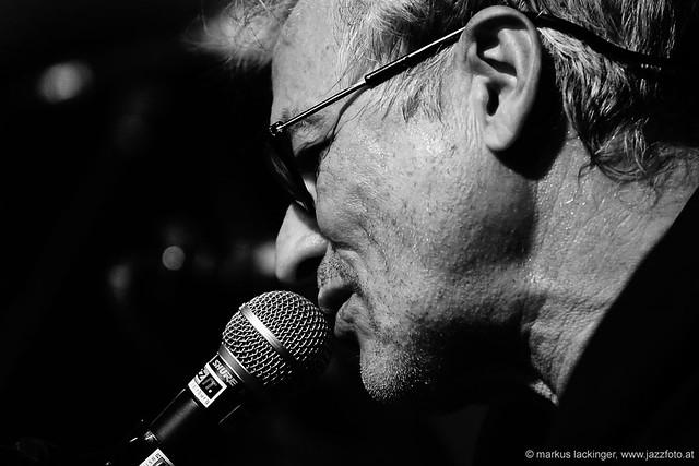 Marc Ribot: guitar, vocals