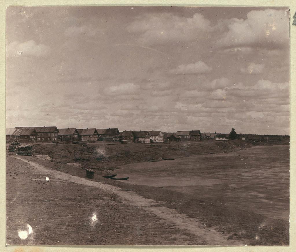 Окрестности города. Село Мандрыга на р. Свирь