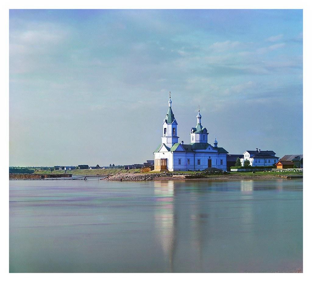 Окрестности города. Река Важинка и с. Важино. Богоявленская церковь в д. Усть-Боярской, Важины