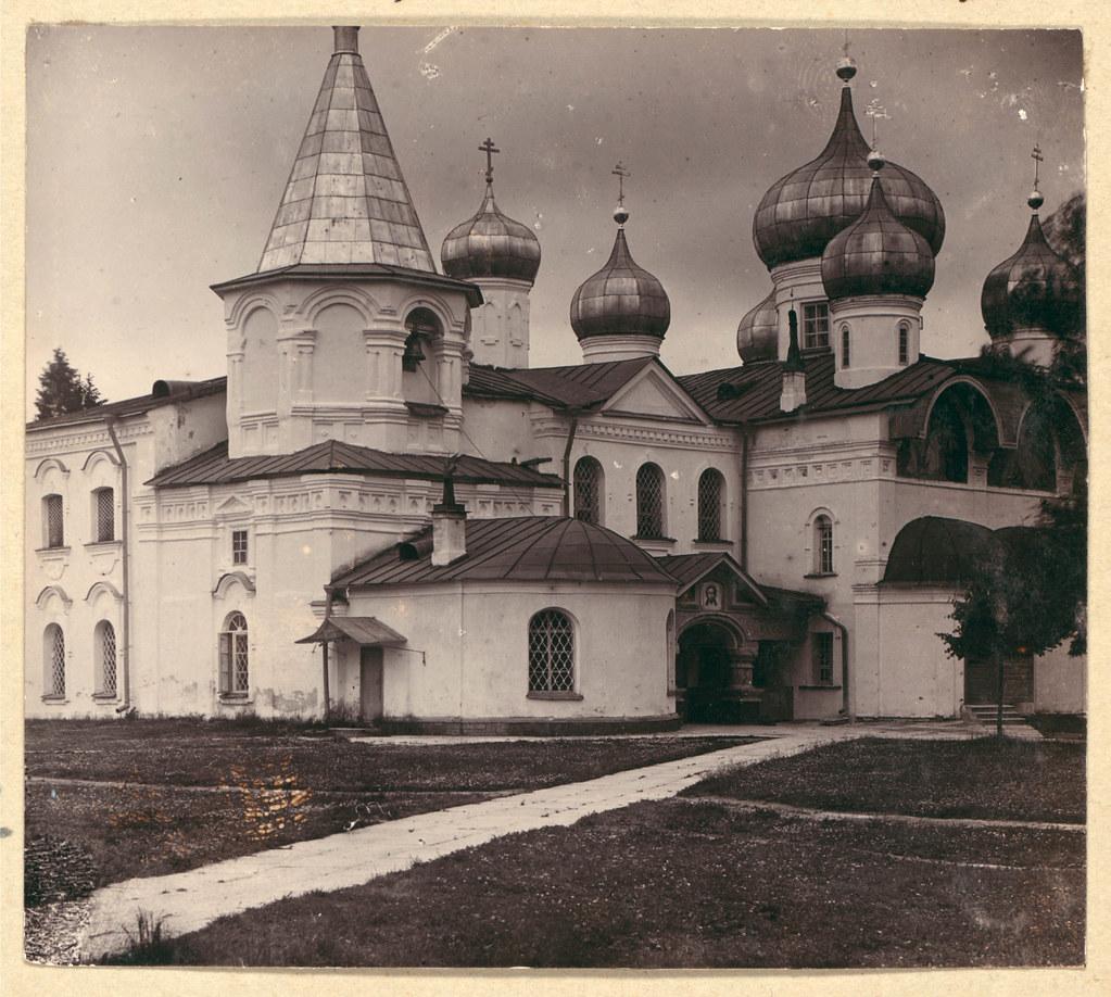 Окрестности города. Преображенский собор в Александро-Свирском монастыре. Общий вид