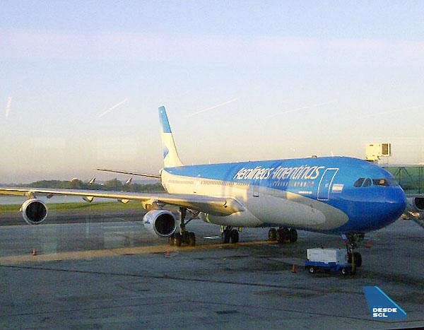 Aerolíneas Argentinas A340-300 Gaston Doval