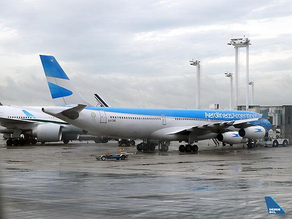 Aerolíneas Argentinas A340-300 LV-CSE (RD)