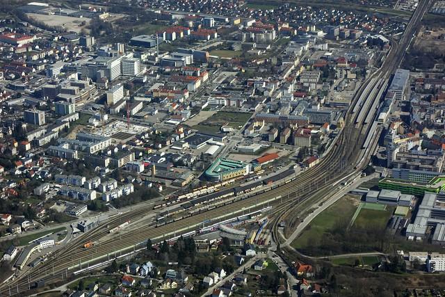 Sankt Pölten mit Hauptbahnhof (Niederösterreich)