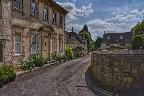 painswick thecotswolds cotswolds stonewall thewestcountry churchyard architecture nikon d7200 sigma18200 picturesque village