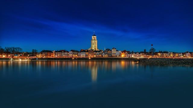 Deventer bluehour panorama dark