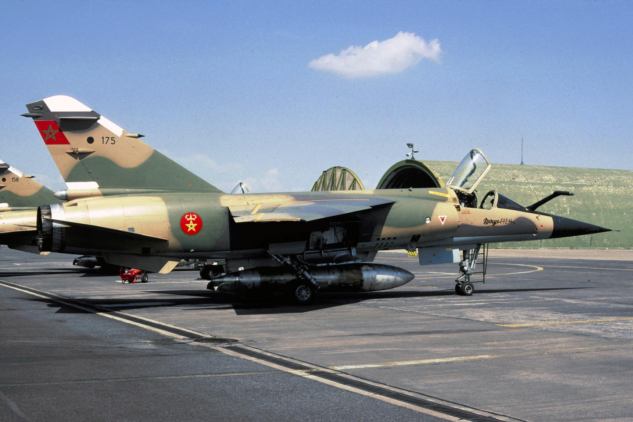FRA: Photos Mirage F1 - Page 15 48900278303_ca3da35405_o
